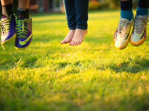 Recent studies show: the important health benefits for kids to play outside