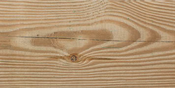 Sligt cracks in timber